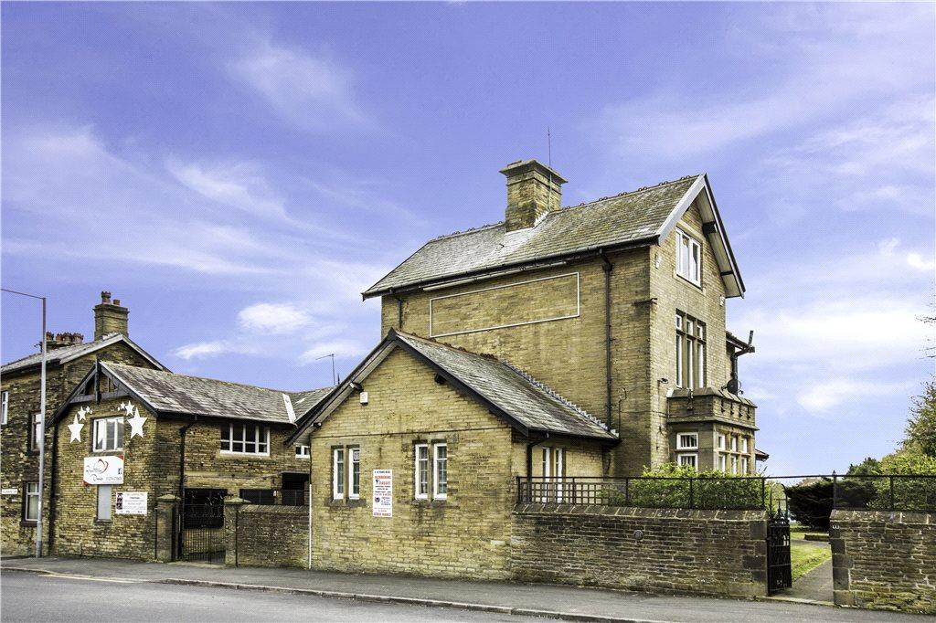 6 Bedrooms Unique Property for sale in The Villa, 1 Hollingwood Lane, Bradford, West Yorkshire