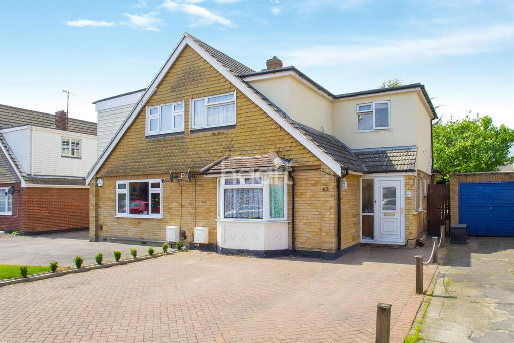 4 Bedrooms Semi Detached House for sale in Seamore Avenue, Benfleet