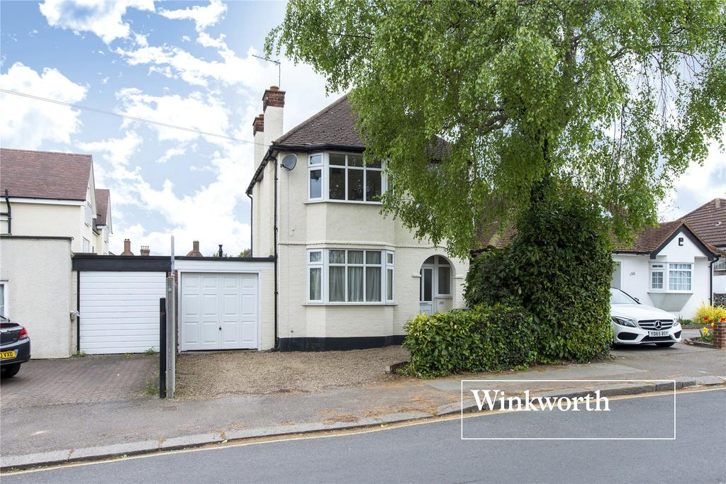 3 Bedrooms Detached House for sale in Fitzjohn Avenue, Barnet, Herts, EN5