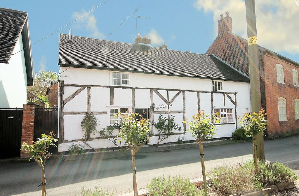3 Bedrooms Cottage House for sale in The Cottage, The Square, Elford, B79 9DB