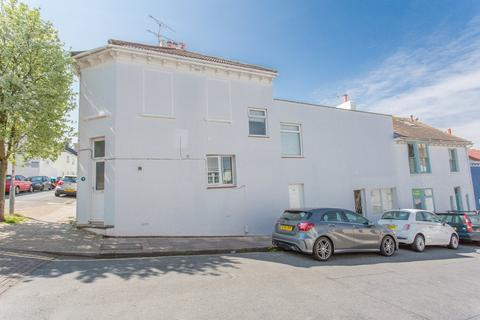 1 bedroom ground floor flat for sale - Southover Street, Brighton