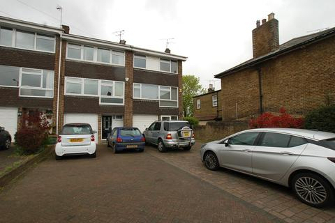 4 bedroom townhouse to rent - Warley Hill, Brentwood