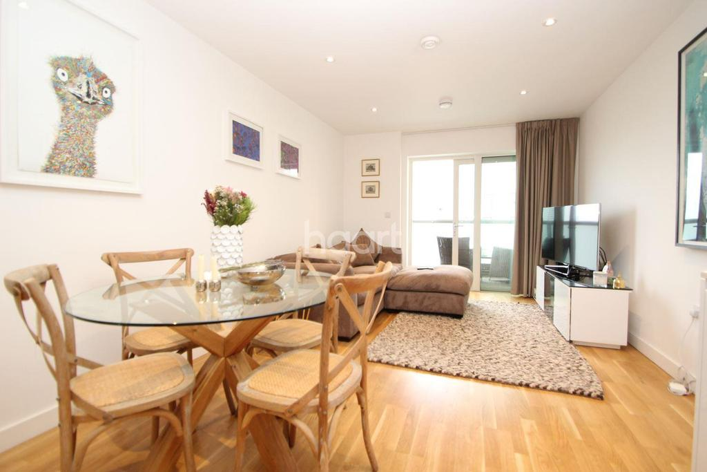 1 Bedroom Flat for sale in Burgundy House, London, E20