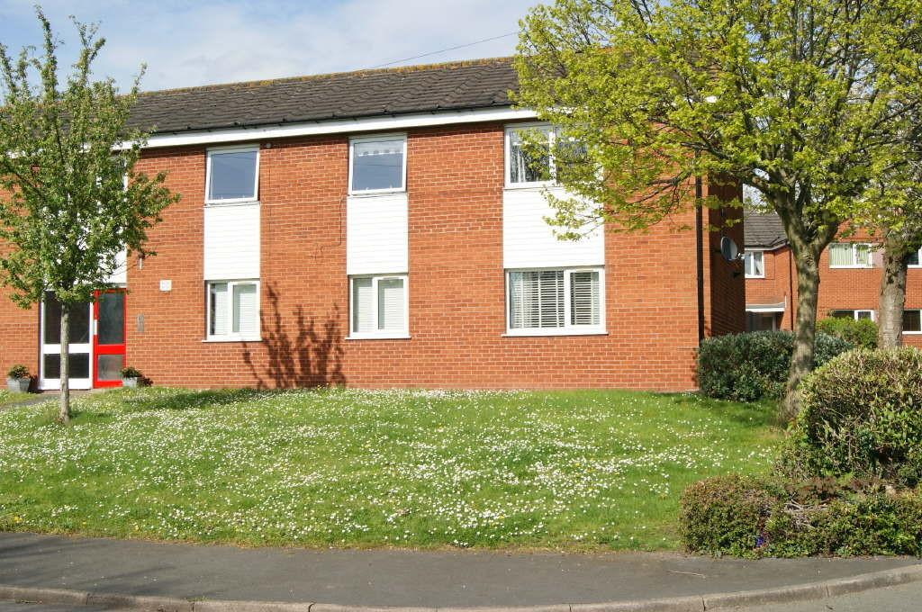 2 Bedrooms Apartment Flat for sale in Stockwell Grove, Wrexham