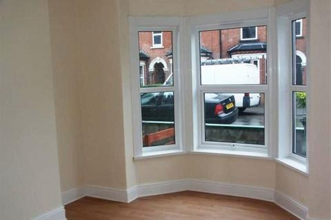 3 bedroom semi-detached house to rent - St Catherines Grove, Lincoln