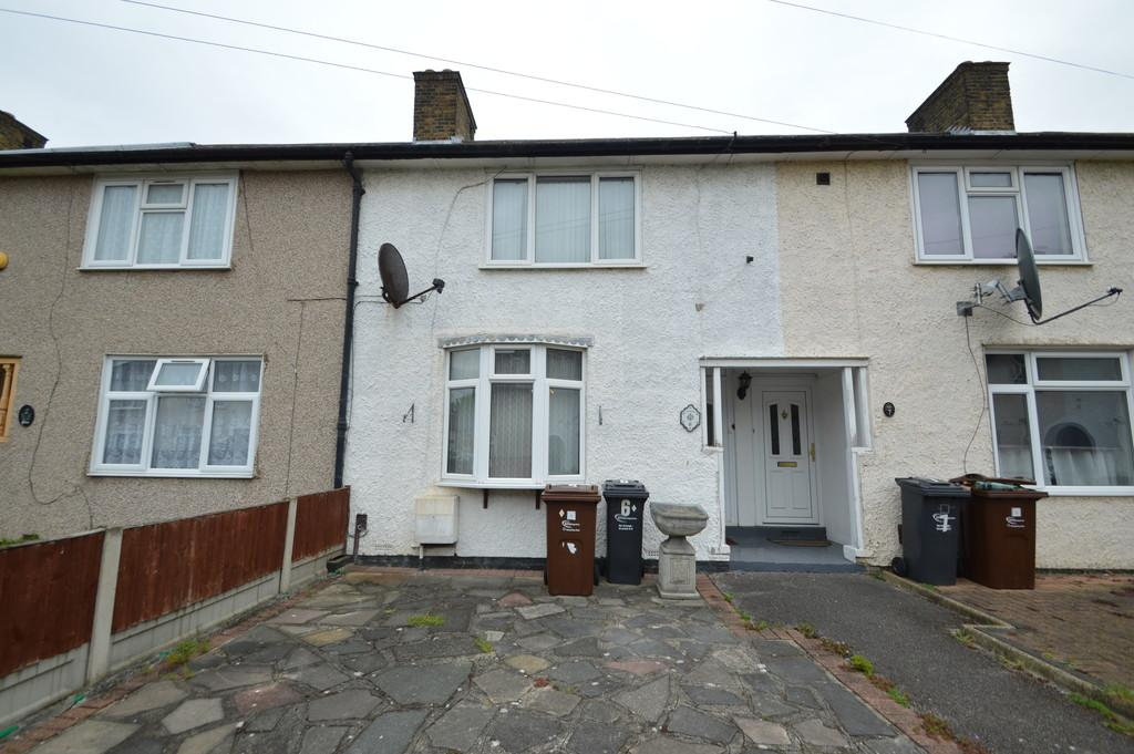 2 Bedrooms Terraced House for sale in Davington Gardens, Dagenham