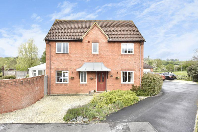 4 Bedrooms Detached House for sale in Moyle Park, Hilperton