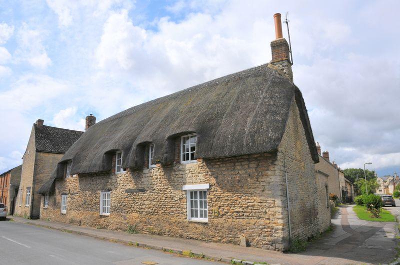 3 Bedrooms Detached House for sale in Queen Street, Eynsham