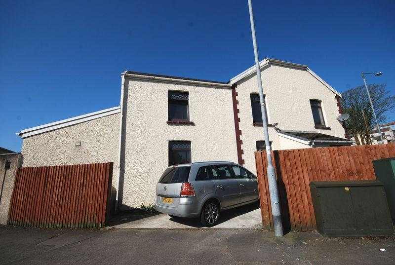 4 Bedrooms Semi Detached House for sale in 8 New Road, Neath Abbey, Neath, SA10 7NH