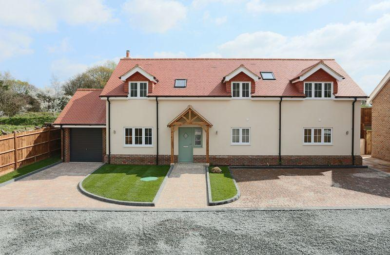 4 Bedrooms Detached House for sale in Brighton Road, Warninglid
