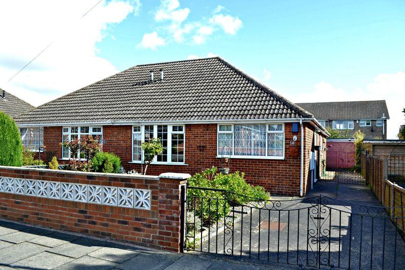 2 Bedrooms Semi Detached Bungalow for sale in Foxhill, Grimsby