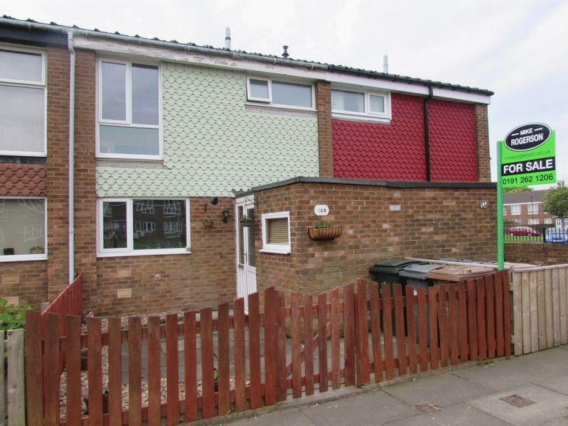 3 Bedrooms Terraced House for sale in Bellshill Close, Wallsend - Three Bedroom Mid-Terraced House