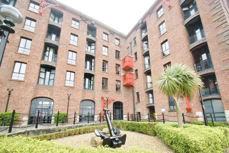 2 Bedrooms Apartment Flat for sale in The Colonnades, Liverpool