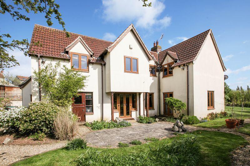 5 Bedrooms Detached House for sale in Big Tree Close, Compton Bishop, Axbridge, BS26 2EY