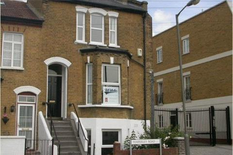 4 bedroom terraced house to rent - Temperley Road
