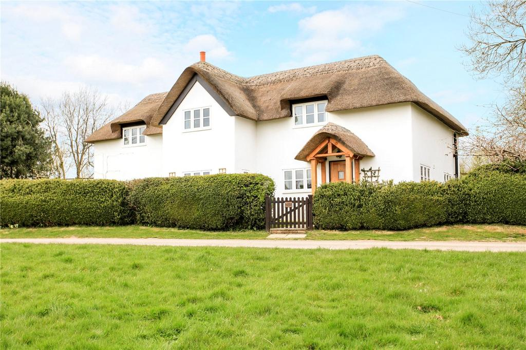 3 Bedrooms Detached House for sale in Upper Chute, Andover, Hampshire, SP11