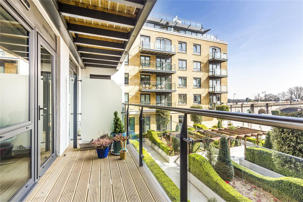 2 Bedrooms Flat for sale in Kew Bridge Road, Brentford, Middlesex, TW8