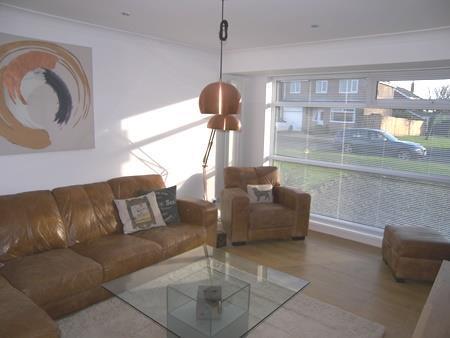 4 Bedrooms Semi Detached House for sale in Till Grove, Highthorne Estate, Ellington
