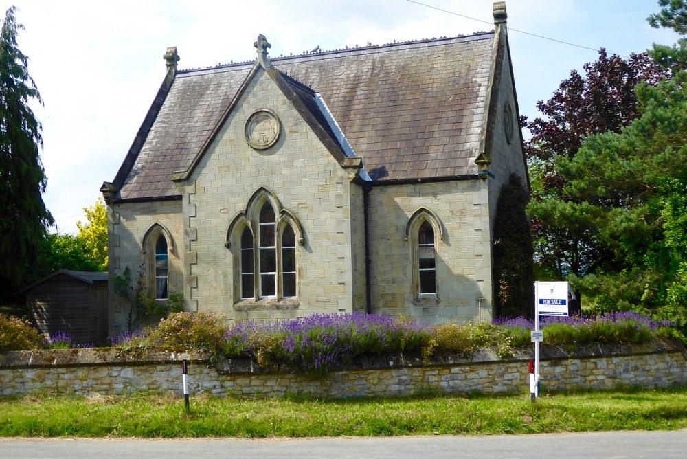 4 Bedrooms Village House for sale in The Old School, Low Street, Nunnington, YO62 5UX