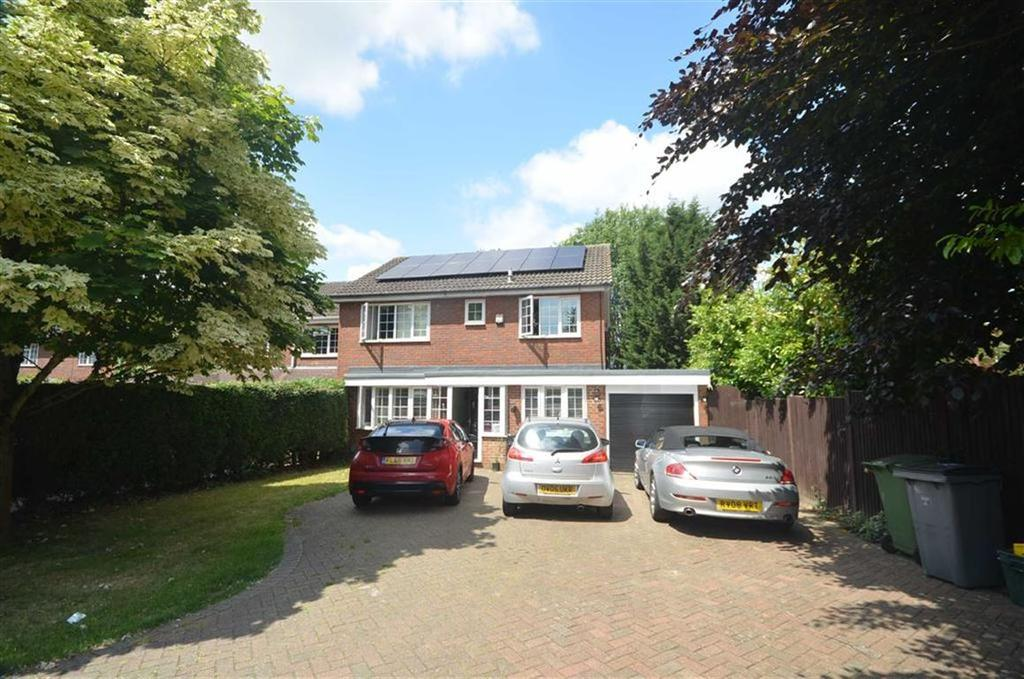 4 Bedrooms Detached House for sale in Brackendene, Bricket Wood
