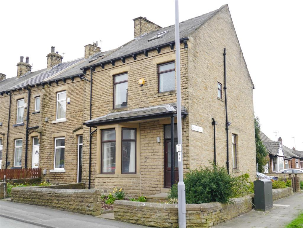 3 Bedrooms Terraced House for sale in Bowling Hall Road, East Bowling