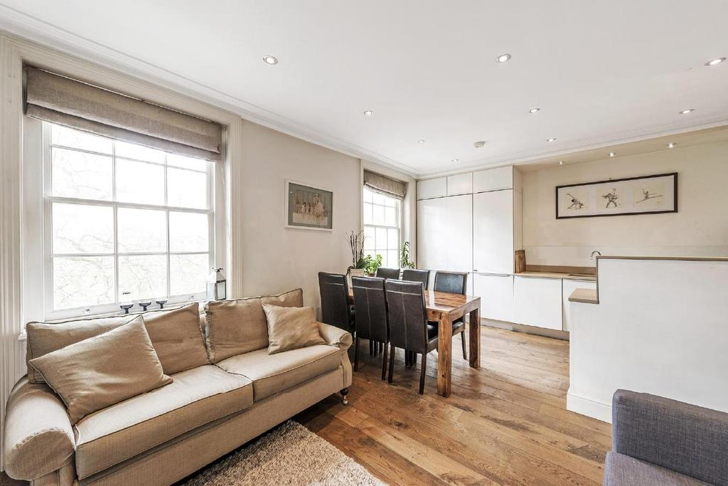 2 Bedrooms Flat for sale in Gloucester Gardens, Bayswater