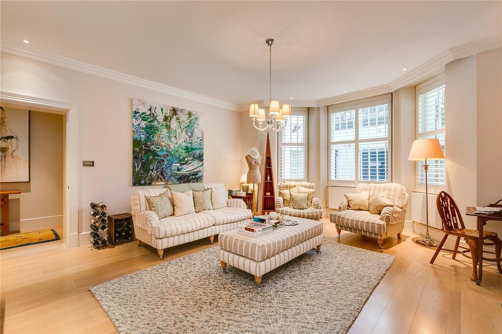 3 Bedrooms Flat for sale in Stanhope Gardens, South Kensington, London