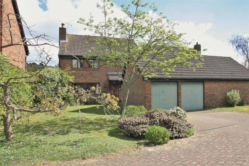 4 Bedrooms Detached House for sale in Pytches Close, Melton, Woodbridge