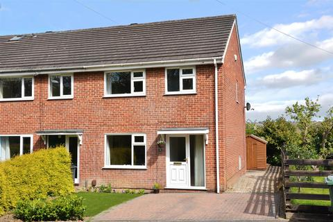 3 bedroom end of terrace house for sale - Broadgate Rise, Horsforth
