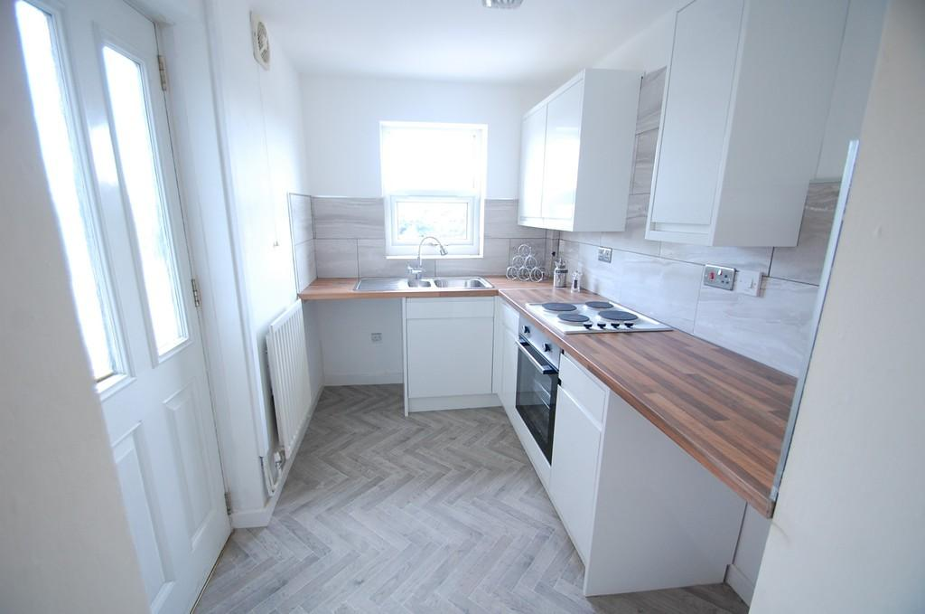 2 Bedrooms Terraced House for sale in Livesey Branch Road, Livesey, Blackburn