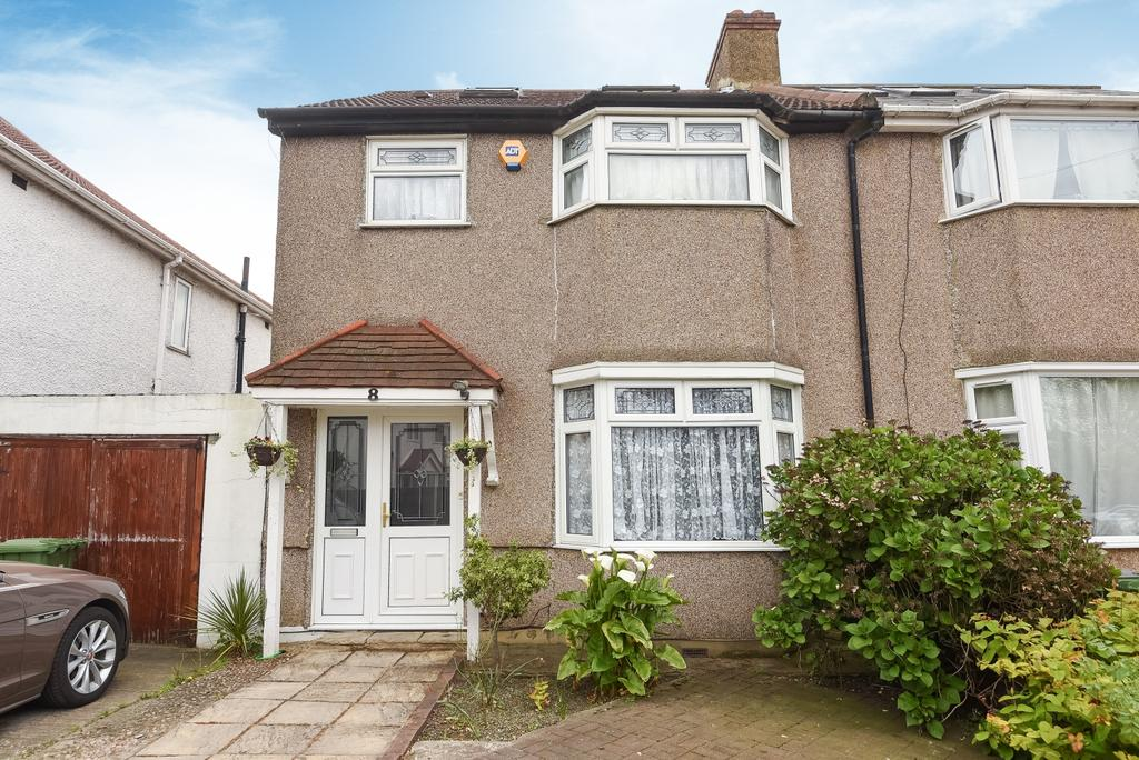 4 Bedrooms Semi Detached House for sale in Sutlej Road, London, SE7