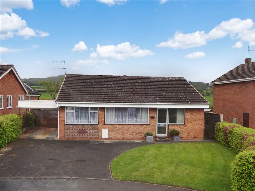 3 Bedrooms Detached Bungalow for sale in Coningsby Drive, Kidderminster, Worcestershire