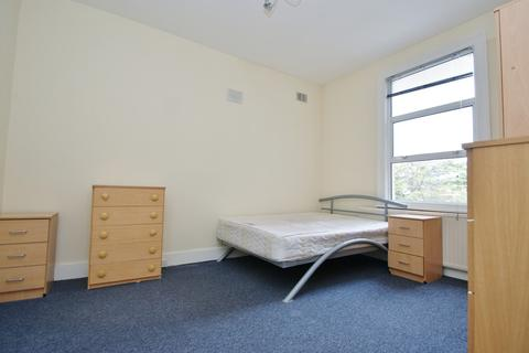 3 bedroom flat to rent - 3 Greenhill Road, London nw10