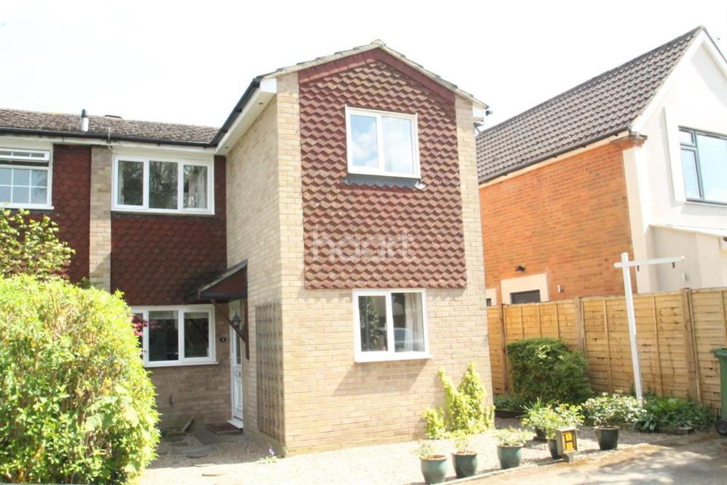 4 Bedrooms Semi Detached House for sale in Leacroft, Sunningdale