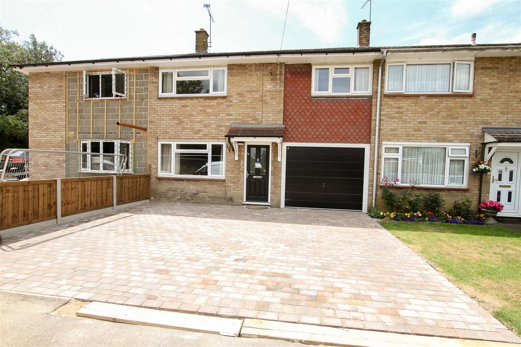 4 Bedrooms Terraced House for sale in Glovers Field, Kelvedon Hatch, Brentwood