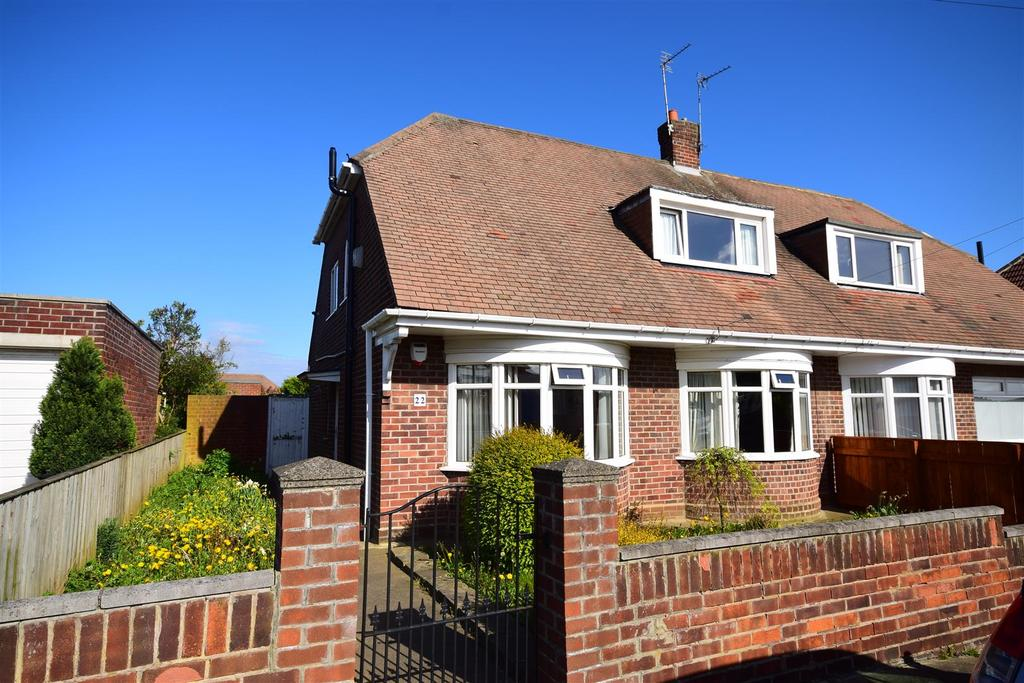 3 Bedrooms Semi Detached House for sale in Woodland Drive, Sunderland
