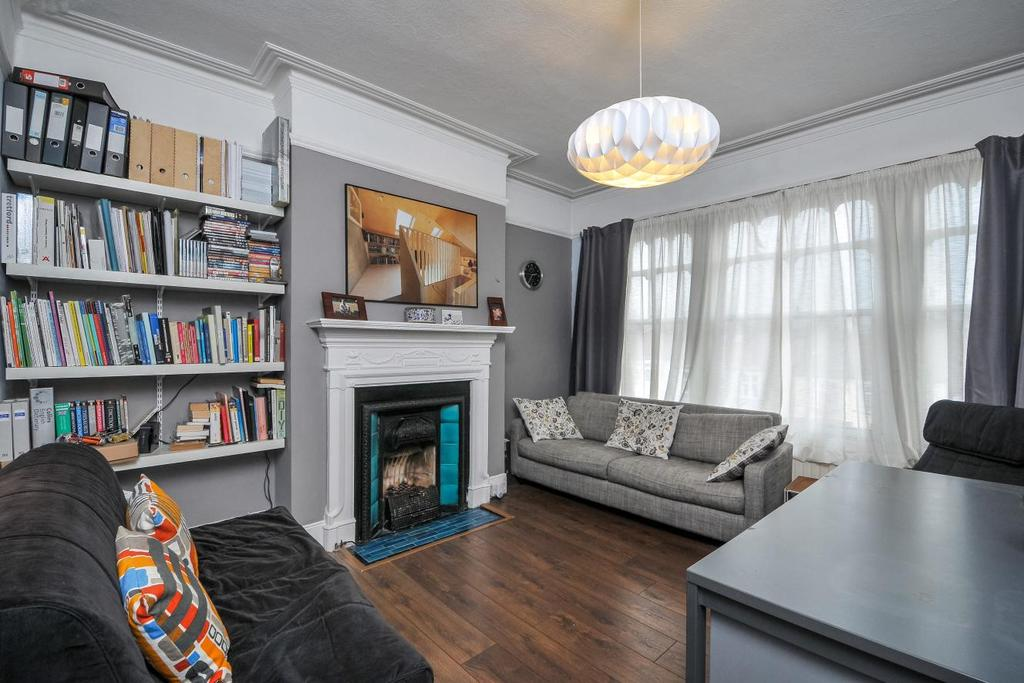 3 Bedrooms Flat for sale in Alexandra Park Road, Muswell Hill