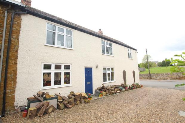 3 Bedrooms Cottage House for sale in King Street, Scalford, Melton Mowbray, LE14
