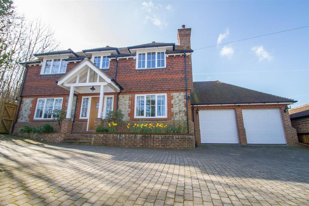 4 Bedrooms Detached House for sale in Bearsted Road, Weavering, Maidstone