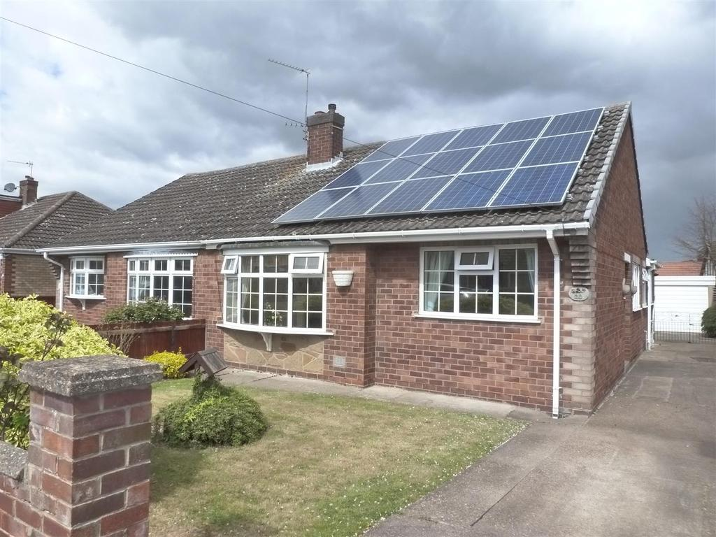 2 Bedrooms Semi Detached Bungalow for sale in Janton Court, New Waltham, Grimsby