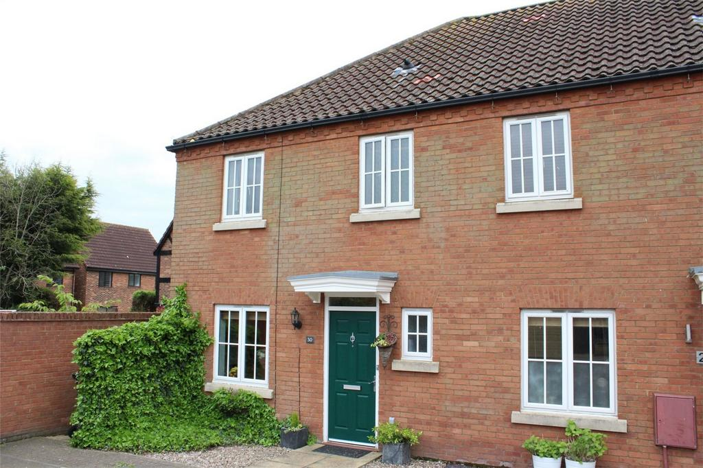 3 Bedrooms End Of Terrace House for sale in Bluebell Drive, Lower Stondon, Henlow, Bedfordshire