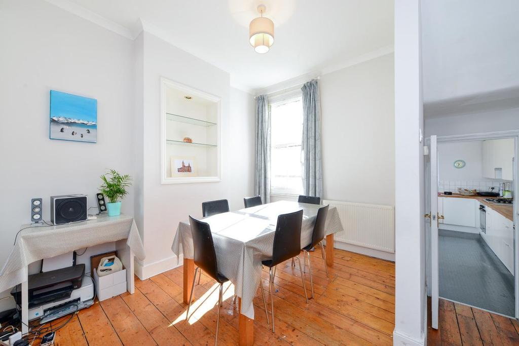 3 Bedrooms Terraced House for sale in Kerrison Road, Battersea, SW11