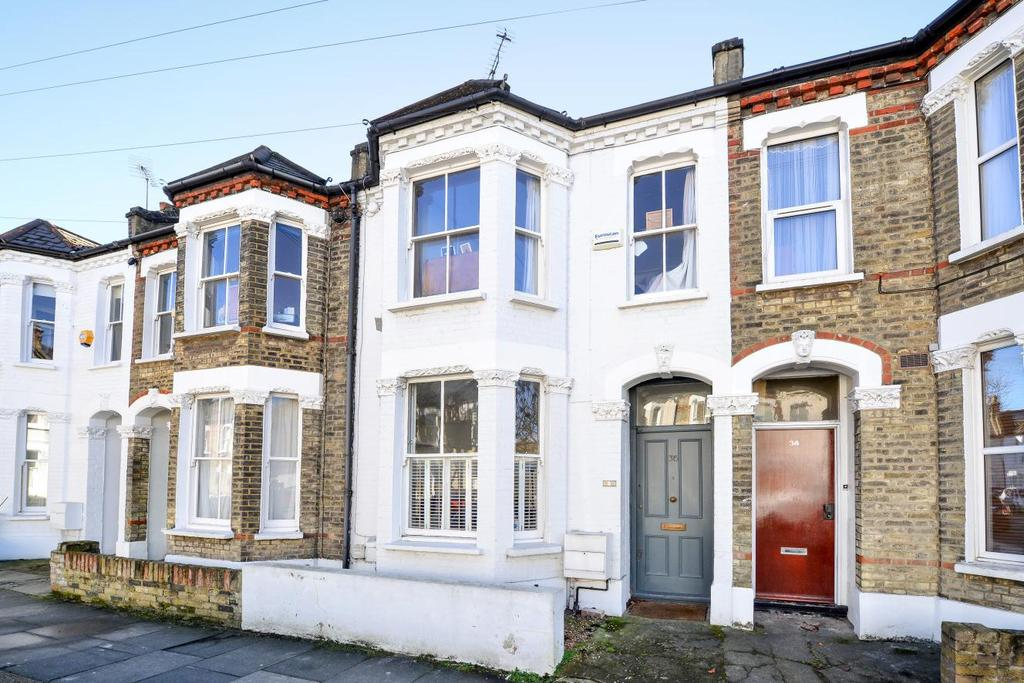 3 Bedrooms Terraced House for sale in Kerrison Road, Battersea