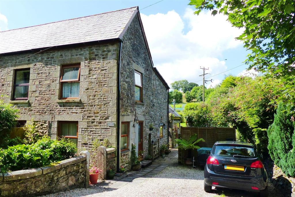 5 Bedrooms Semi Detached House for sale in Tregrehan Mills, St. Austell