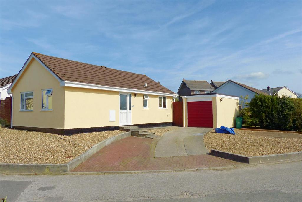 2 Bedrooms Detached Bungalow for sale in Probus, Truro