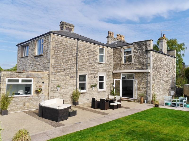 5 Bedrooms Semi Detached House for sale in Priory Road, Keynsham, Bristol