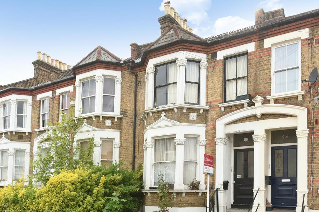 3 Bedrooms Flat for sale in Waller Road, New Cross, SE14