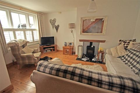 3 bedroom semi-detached house for sale - Cartref Clyd, 3 Gerddi Windsor, Newport, Pembrokeshire