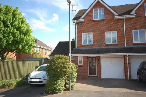 3 bedroom townhouse to rent - FARNHAM, Surrey