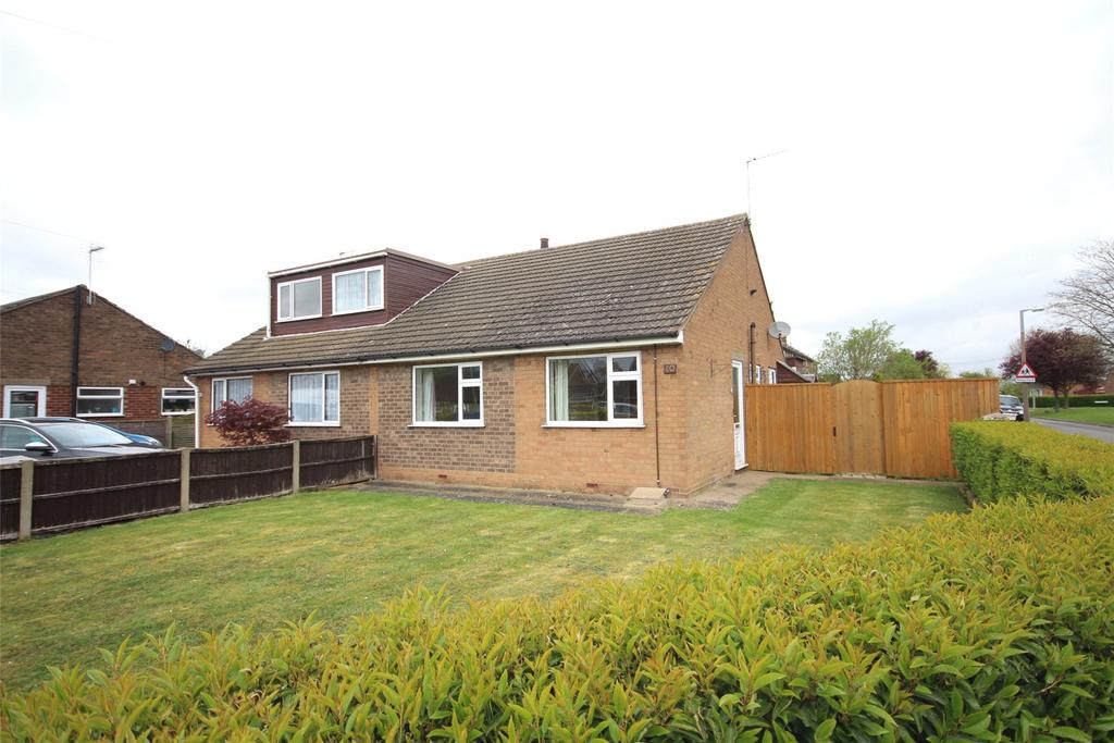 2 Bedrooms Semi Detached Bungalow for sale in Honeyholes Lane, Dunholme, LN2